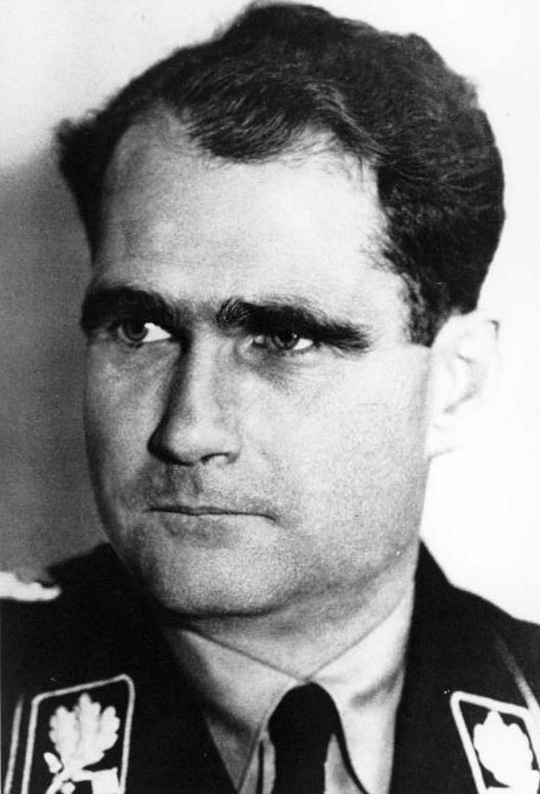 Porträttbild Rudolf Hess